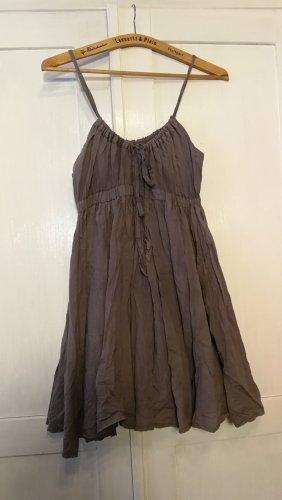 Vila Clothes Vestido estilo flounce gris oscuro Algodón