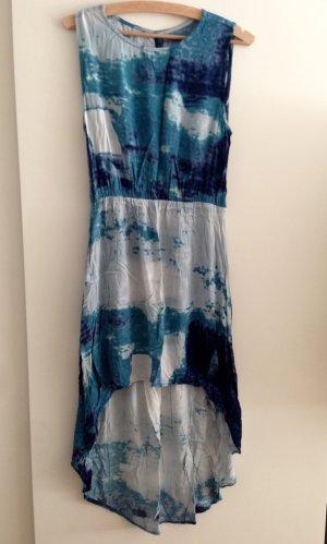 Sommerkleid von Just Female - Blautöne - Rückenschlitz