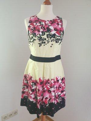 Sommerkleid von Laura Scott