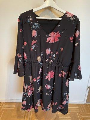 Sommerkleid von Laura Scott, Gr. 46 (fällt wie 42/44 aus)