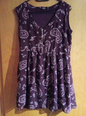 Sommerkleid weinrot /bordeaux mit Muster von Bershka