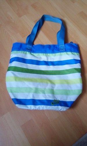 Sommerlich gestreifte Strandtasche von Nike