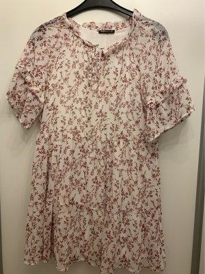 Sommerliche bluse mit rüsschen