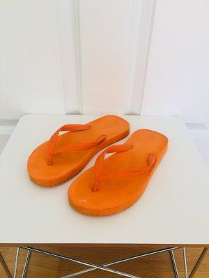 Sommerliche Flip Flop Originals in schönem orange, Größe 38