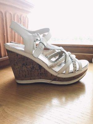 sommerliche Keilabsatz- Sandaletten