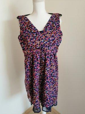Sommerliche Kleid V-Ausschnitt