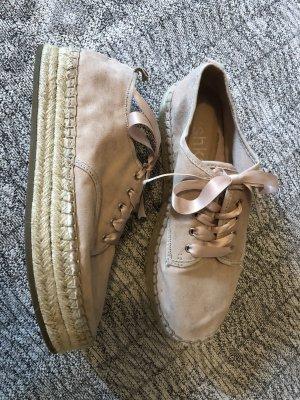 Sommerliche Plateau Sneaker