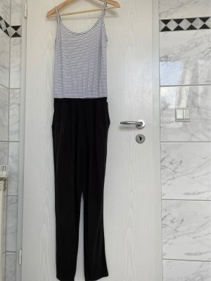 Sommerlicher Jumpsuit in schwarz/ weiß mit Spaghettiträgern