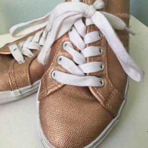 Sommerlicher Sneaker