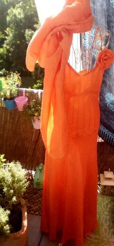 Sommerliches Abendkleid mit Stola apricot