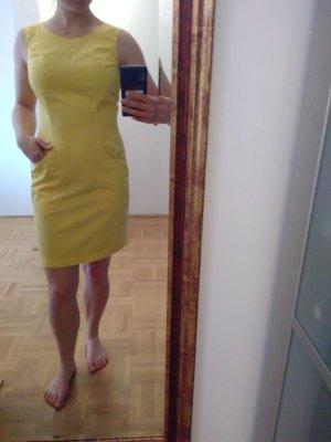 Kookai Sukienka etui bladożółty Bawełna