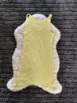 Sommerliches gelbes Shirt