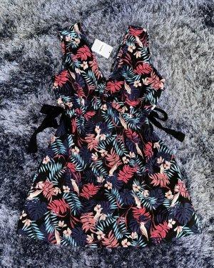 Sommerliches Kleid mit Papagei