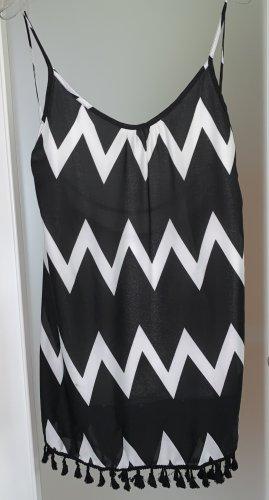 Sommerliches Kleid mit tiefem Rückenauschnitt