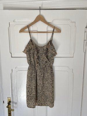 Sommerliches Leo-Print Kleid