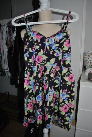 Sommerliches Trägerkleid mit Blumenprint
