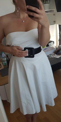 Sommerliches, Weißes Kleid mit schwarzem Gürtel (38)
