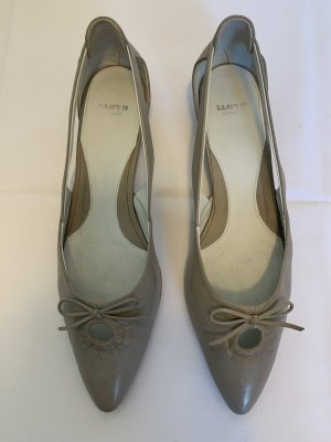 Lloyd Pointed Toe Pumps light grey leather