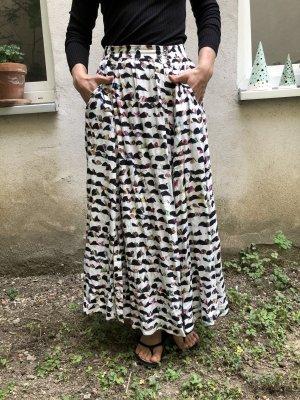 Sommerrock mit Taschen und grafischem Muster