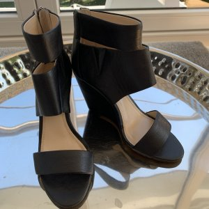 Banana Republic Cut Out Booties black leather