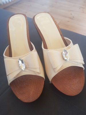 Wedge Pumps cream