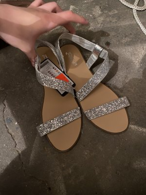 Sandalias de playa color plata