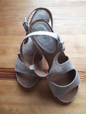 ara Buty z zabudowanym przodem beżowy