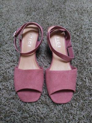 Sommerschuhe Rosa Mamor an den Füßen