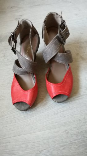 Tamaris Strapped High-Heeled Sandals dark orange