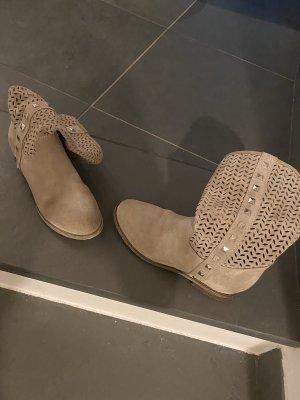 Krótkie buty beżowy