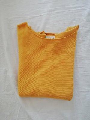 sonnenblumengelber pullover