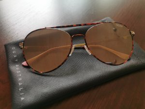Quay Oval Sunglasses black-brown