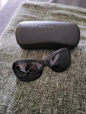 Chanel Lunettes de soleil angulaires brun noir