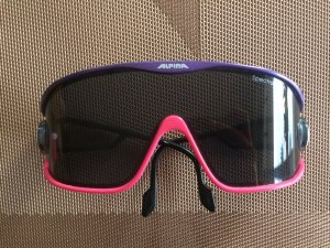 Sonnenbrille lila pink