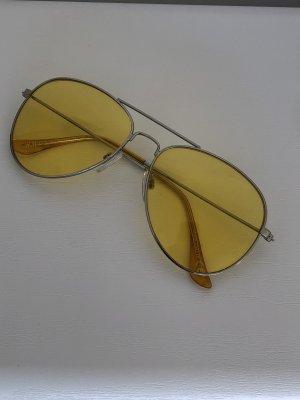 sonnenbrille mit gelben gläsern