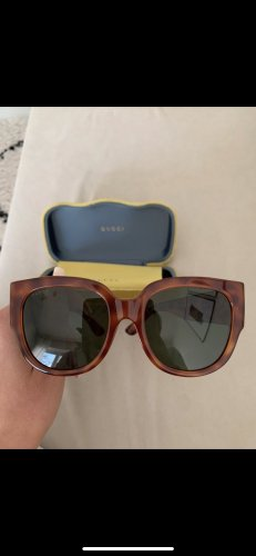 Gucci Oval Sunglasses brown