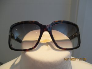 Sonnenbrille von Max Mara im Retrostil in braun
