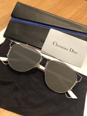 Christian Dior Lunettes de soleil angulaires gris clair