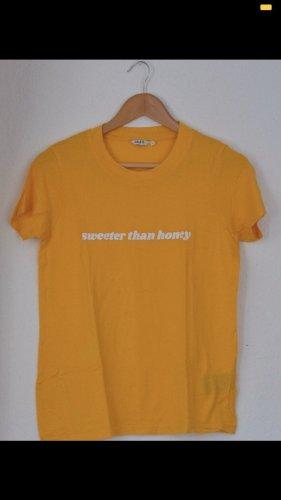 Sonnengelbes Shirt