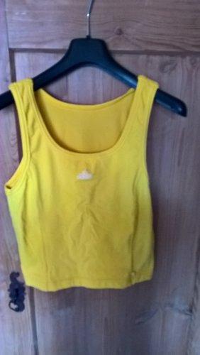 Sonnengelbes Sport-Shirt