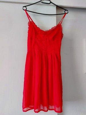 A-Z Sukienka na ramiączkach czerwony