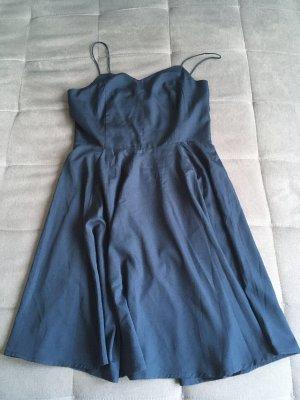 Spaghettiträgekleid in dunkelblau