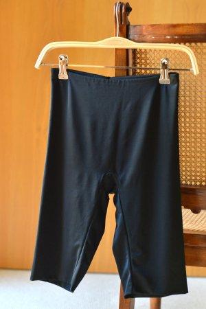 SPANX Shapewear 34/36 ungetragen Schwarz Shorts Hose