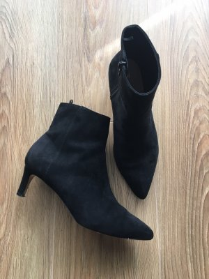 H&M Booties black