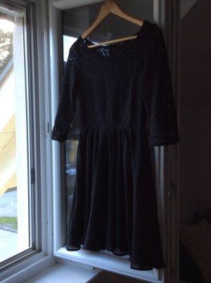 Spitzen Kleid mit Uboot-Ausschnitt