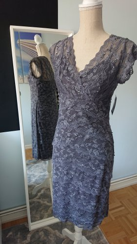 Spitzenkleid Etuikleid Abendkleid Pailetten grau von Marina 38 M NEU