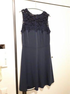 Bodyflirt Kanten jurk donkerblauw