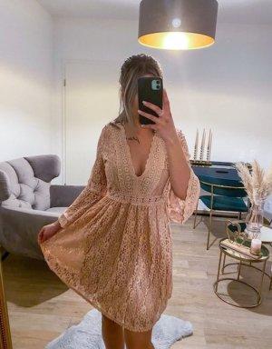 Boutique Comtesse Lace Dress pink