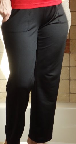 Sport Hose, schwarz, Marke: sports, Jogging, Freizeit, Fitness, Ripp Passe, Bändchen zum Regulieren in der Taille, gerade geschnitten, glattes, glänzendes Material, Funktionsmaterial Polyester/Elasthane, 2 Taschen, neuwertig, Gr. S/M