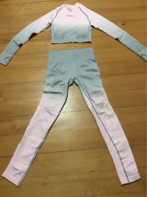 GYMSHARK Twin Set tipo suéter rosa claro-gris claro